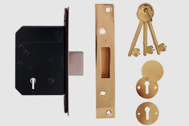 Deadlock Installation by Willesden master locksmith